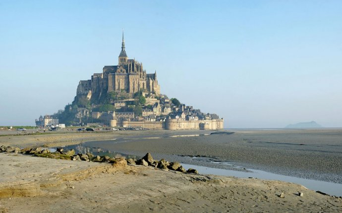 32 Must Visit Places in France | Geeky Camel