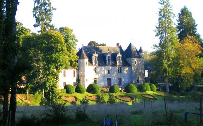 Chateau bed and breakfast france
